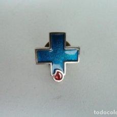 Pins de colección: PIN DONANTE DE SANGRE CRUZ AZUL . Lote 78654221