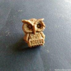 Pins de colección: PIN PELUQUERÍA NOGEDU BARCELONA BÚHO. Lote 80743378