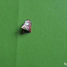 Pins de colección: PIN INSIGNIA ESCUDO EMBLEMA MAQUINAS COSER ALFA MAQUINA ALFA ESMALTADO AÑOS 1960. Lote 82560236