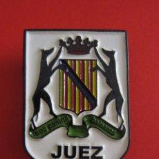 Pins de colección: INSIGNIA JUEZ SOCIEDAD CANINA BALEARES.. Lote 207139763