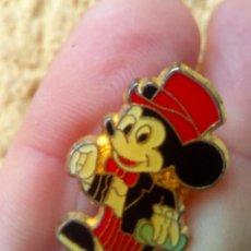 Pins de colección: PIN MICKEY MOUSE DE LOS AÑOS 80 NUEVO SIN USAR.. Lote 83829840
