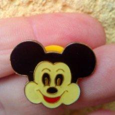 Pins de colección: PIN CARA DE MICKEY MOUSE AÑOS 80 NUEVO SIN USAR. Lote 83831264
