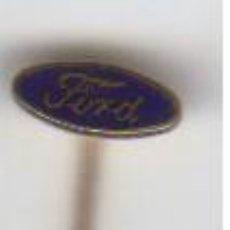 Pins de colección: ANTIGUO PIN DE AGUJA FORD EN METAL DORADO. Lote 83930108