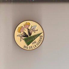 Pins de colección: INSIGNIA DE SOLAPA IMPERDIBLE .EL CORTE INGLES DIA DE LA MADRE- AÑO 1961 - LA DE LA FOTO - . Lote 86700864