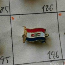 Pins de colección: ANTIGUA INSIGNIA AGUJA PIN ALFILER PIN BANDERA DEL MUNDO. Lote 86859208