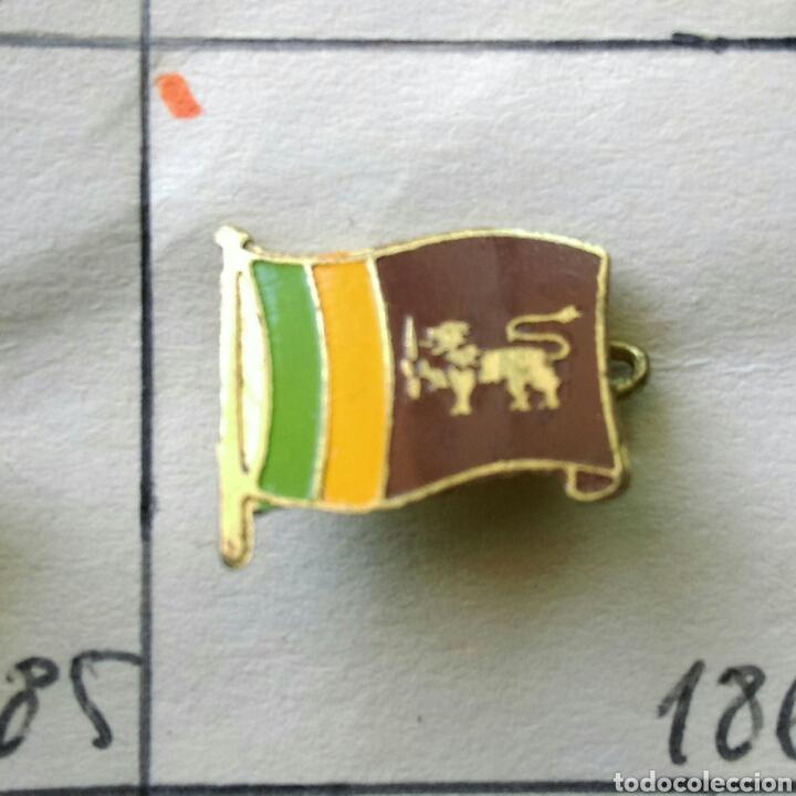 ANTIGUA INSIGNIA AGUJA ALFILER NO PIN AÑOS 50 60 BANDERA SRI LANKA (Coleccionismo - Pins)