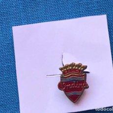 Pins de colección: ANTIGUA INSIGNIA ESMALTADA PARA OJAL DE CHAQUETA - RADIO ONDINA -. Lote 86880496