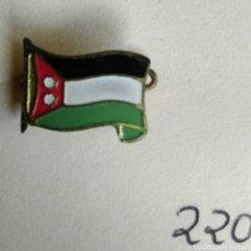 Pins de colección: ANTIGUA INSIGNIA AGUJA ALFILER BANDERA. Lote 87056226