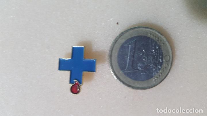 PIN DONANTE DE SANGRE IMPRENDIBLE (Coleccionismo - Pins)