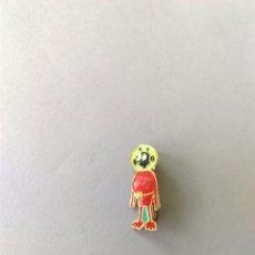 Pins de colección: ANTIGUO PIN INSIGNIA AGUJA MARCIANO EXTRATERRESTRE. Lote 148560034