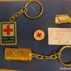 Pins de colección: LLAVEROS Y PINS DE LA CRUZ ROJA 2 LLAVEROS Y 2 PINS (#). Lote 90908145