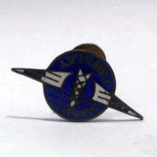 Pins de colección: ANTIGUA INSIGNIA PIN ESMALTADA DE EMISORA DE RADIO. Lote 92881780