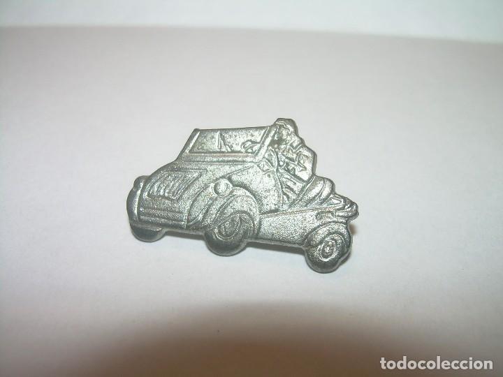 INSIGNIA - PIN....BISCUTER. (Coleccionismo - Pins)