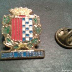 Pins de colección: PIN ESCUDO DE RIBES DE FRESER (GIRONA). GERONA. HERÁLDICA MUNICIPAL. ESCUDOS.. Lote 95504890