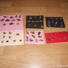 Pins de colección: LOTE 63 PINS, 12 DINOSAURIOS, 31 DORADOS, 13 PLATEADOS, 7 ANIMALES DE BOSQUE.. Lote 95547391