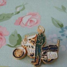 Pins de colección: PINS DE MOTO DE POLICÍA . Lote 95715763