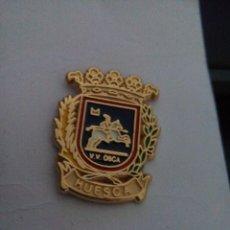 Pins de colección: PIN HERALDICO ESCUDO DE HUESCA. Lote 95787703
