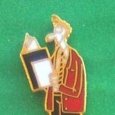 Pins de colección: PIN IMPACT MEDECIN MAGAZINE . Lote 95816335