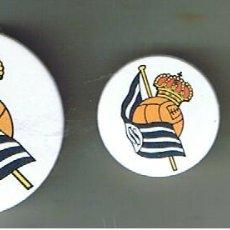 Pins de colección: ESCUDO DE LA REAL SOCIEDAD. SERIE DE TRES CHAPAS. Lote 95939535