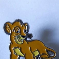 Pins de colección: PIN LEON PEUGEOT. Lote 97498028