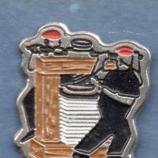 Pins de colección: VESIV PIN. Lote 97702115