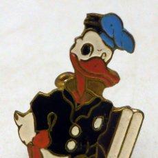Pin Pato Donald metal y esmalte años 60