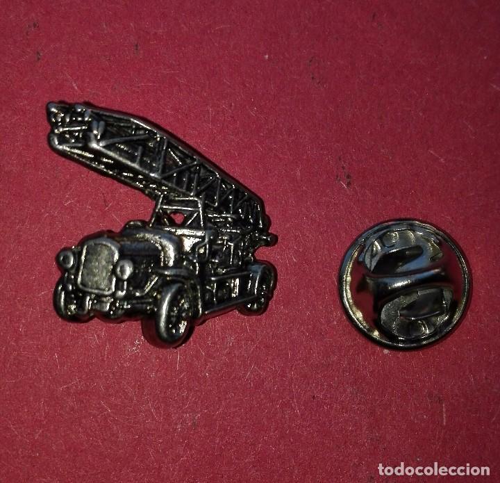 pin de camion de bomberos ,en color plata vieja - Comprar Pins ...