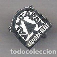 Pins de colección: ANTIGUO PIN DE AGUJA ** VALL D' ARAN BAQUEIRA BERET**. Lote 133123754