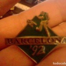 Pins de colección: PIN PINCHO BARCELONA 92 OLIMPIADAS DEPORTE FUTBOL . Lote 98807567