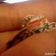 Pins de colección: PIN PUBLICIDAD COCHE FORD FIESTA. Lote 98808347