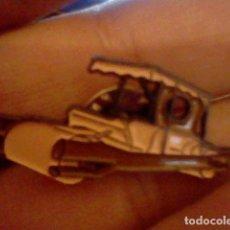 Pins de colección: PIN COCHE TRONCOMOBIL PICAPIEDRA. Lote 98810119