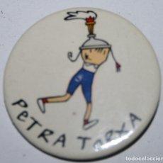 Pins de colección: CHAPA AGUJA - PETRA TORXA - PARAOLÍMPICOS 92. Lote 99225975