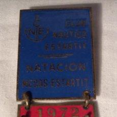 Pins de colección: PIN INPERDIBLE CLUB NÁUTICO ESTARTIT. Lote 100076295