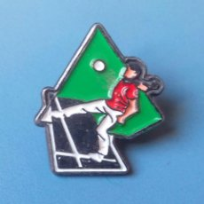 Pins de colección: PIN DEPORTES DE FRONTON. PELOTA VASCA. PALA. CESTA PUNTA.. Lote 100167791