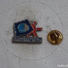 Pins de colección: PIN DE MEDICINA. XI CONGRESO NACIONAL FARMACEÚTICO. MÁLAGA. Lote 102081179