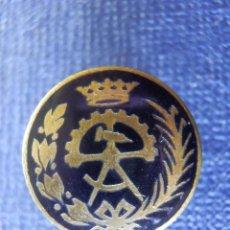 Pins de colección: ANTIGUA INSIGNIA - P/ OJAL EN SOLAPA - CARRERA PROFESIONAL - OFICIO - SIN DETERMINAR POR EL MOMENTO. Lote 102282299