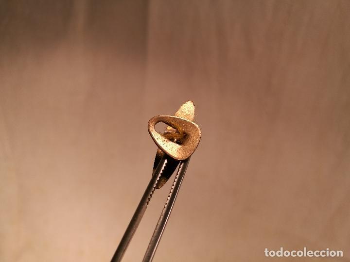 Pins de colección: INSIGNIA PIN DE SOLAPA AÑOS 50-. --- CERVEZA LAMOT BARCELONA - Foto 3 - 102460223