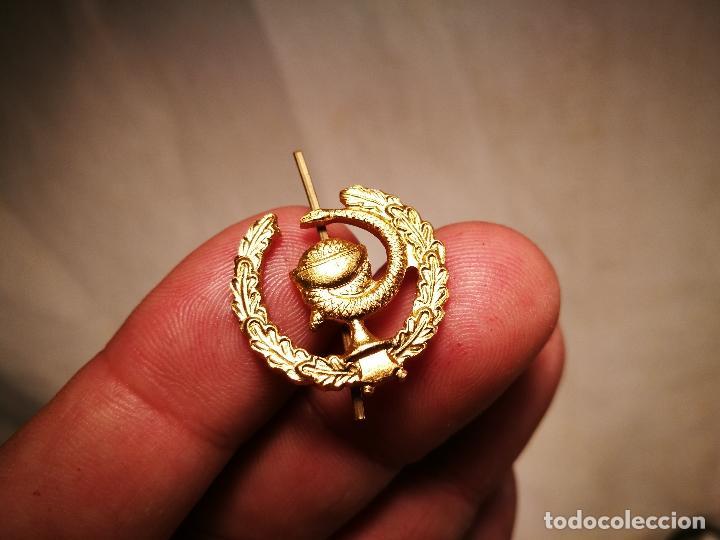 Pins de colección: pin insignia DE SOLAPA -FARMACIA---ALUMINIO AÑOS 70 - Foto 2 - 102468659