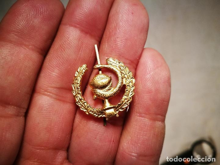 Pins de colección: pin insignia DE SOLAPA -FARMACIA---ALUMINIO AÑOS 70 - Foto 3 - 102468659