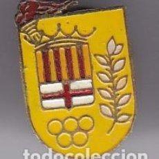 Pins de colección: INSIGNIA PIN SOLAPA OJAL AÑOS 50 POR IDENTIFICAR AROS OLIMPICOS BARCELONA ANTORCHA. Lote 102594287