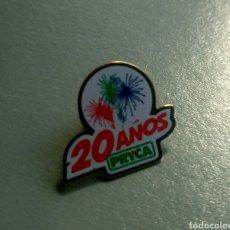 Pins de colección: PIN 20 AÑOS PRYCA. Lote 103596791