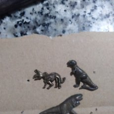 Pins de colección: 3 PINS DINOSAURIOS. Lote 103972615