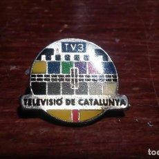 Pins de colección: PIN DE LA TELEVISION CATALANA LA TV3. Lote 104285119