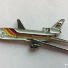 Pins de colección: PIN AVION IBERIA. Lote 104285971