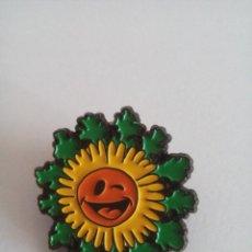 Pins de colección: PIN NAFARROA OINEZ - ETXARRI 1996 - NAVARRA ANDANDO. Lote 104286111