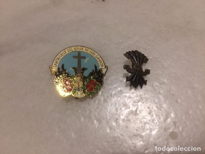 ANTIGUOS 2 PIN / PINS CHAPA / CHAPAS, UNO DEL VALLE DE LOS CAIDOS Y EL OTRO DE LA FALANGE ESPAÑOLA (Coleccionismo - Pins)