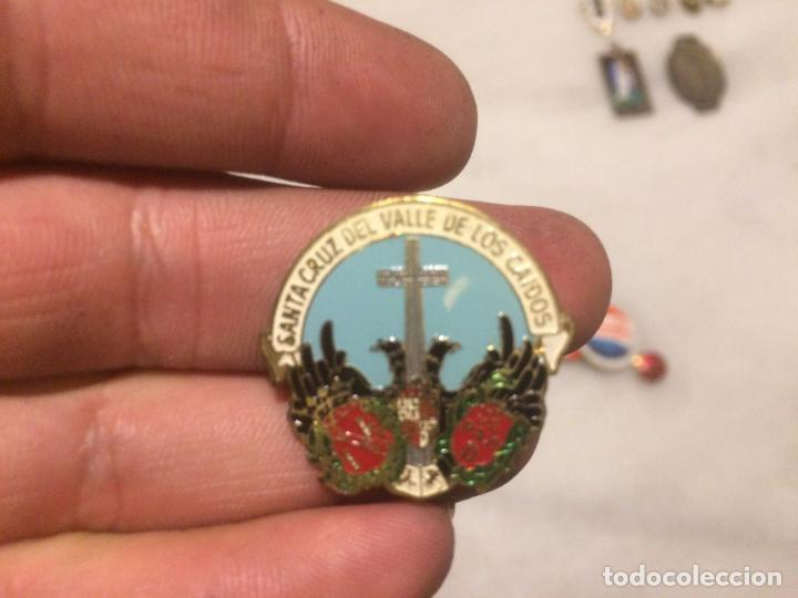 Pins de colección: Antiguos 2 pin / pins chapa / chapas, uno del valle de los caidos y el otro de la Falange Española - Foto 2 - 105676299