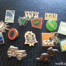 Pins de colección: LOTE 15 PINS PIN VARIADOS. ANTIGUOS AÑOS 80-90. PUBLICIDAD, FUTBOL, COCHE. Lote 105977363