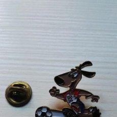 Pins de colección: MASCOTA MUNDIAL DE FÚTBOL USA 94 PIN. Lote 109930711