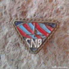 Pins de colección: ANTIGUA INSIGNIA DE OJAL PIN COLECCIÓN CNB. Lote 110124459